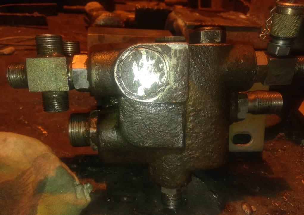 Клапанный блок погрузчика LiuGong CLG862
